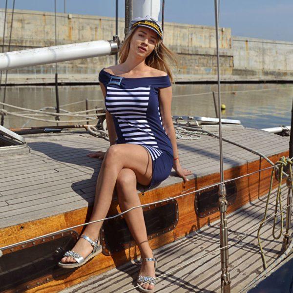 Къса рокля с лодка деколте рай